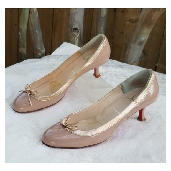new product b17c1 043db Lovely Christian Louboutin kitten heel pumps Sz 39